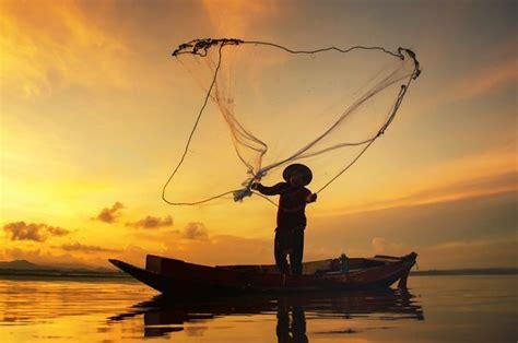 satu nelayan pantai grajagan hilang di laut saat mencari