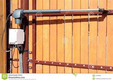fermeture de porte automatique ouverture automatique fermeture d une porte photo stock image 16188304