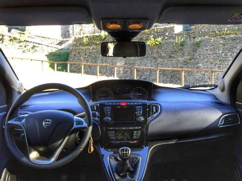 Lancia Ypsilon 2017: prova su strada del Multijet. Interni ...