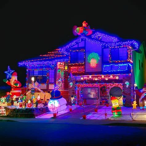 50 Spectacular Home Christmas Lights Displays — Style Estate