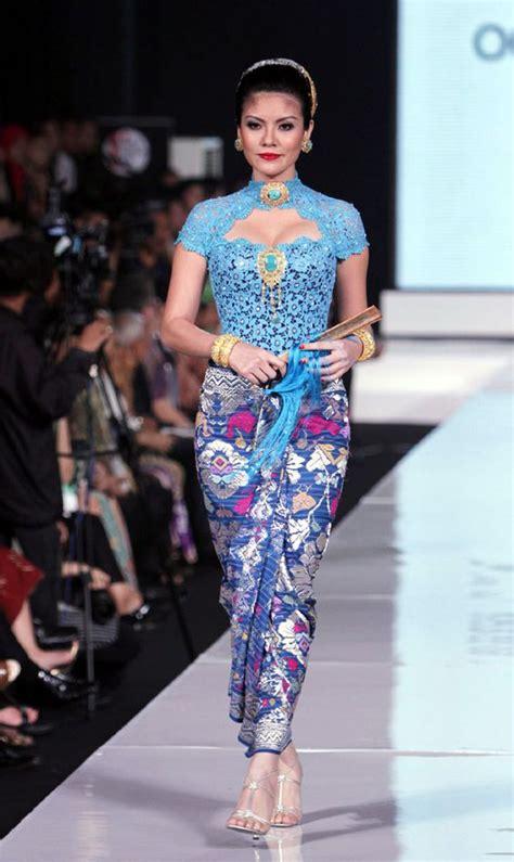 kebaya batik modern lowo kebaya batik a well beautiful and the