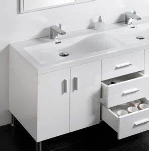 Pied Pour Meuble De Salle De Bain : bien choisir son meuble de salle de bain masalledebaindesign ~ Teatrodelosmanantiales.com Idées de Décoration