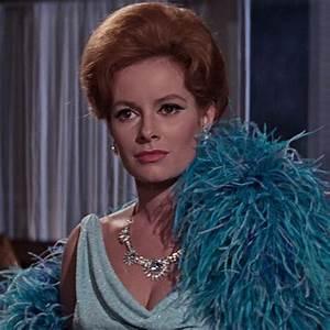 Fiona Volpe (Luciana Paluzzi) | James Bond Wiki | FANDOM ...