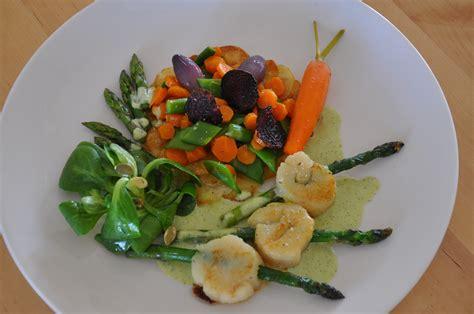 cuisiner du colin brochettes de st jacques et printanière de légumes une