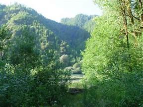 Umpqua River Valley Oregon