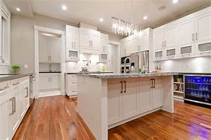 Vancouver kitchen design for Vancouver kitchen design