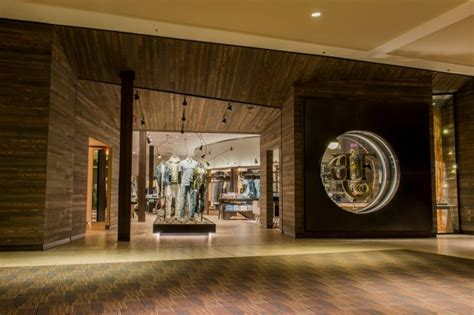 place north west trafford centre signs abercrombie