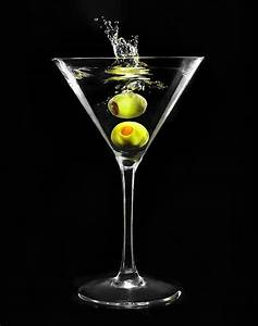 Martini Glas Xxl : royalty free martini glass pictures images and stock photos istock ~ Yasmunasinghe.com Haus und Dekorationen