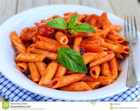 cuisine italienne pates cuisine pâte italienne de penne photo stock image 64463206