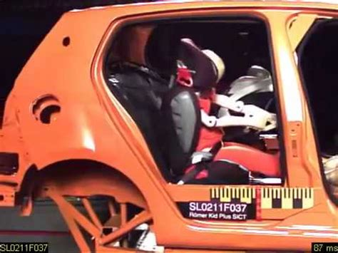 crash test siege auto britax britax highback booster vs booster cushion crash test doovi