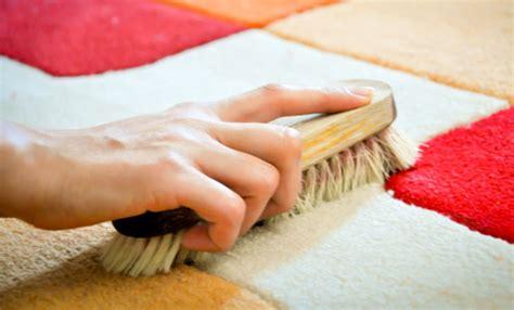 pulire i tappeti in casa come pulire i tappeti in modo ecologico 6 rimedi fai da
