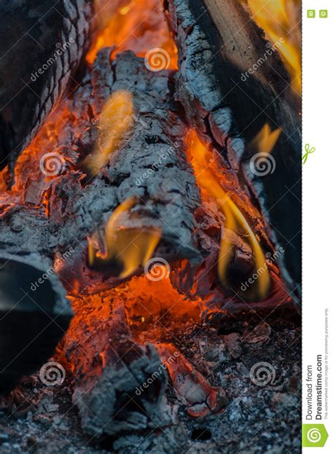 Lagerfeuer Temperatur by Feuer Holzkohle Temperatur Flamme Glut Burning Holz