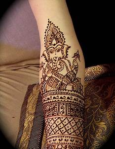 9 Adorable Ganesh Mehndi Designs | Styles At Life