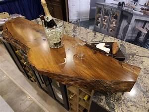 Arbeitsplatte Als Tisch : attraktive arbeitsplatte aus holz auch als dekoratives element treibholz theke pinterest pelz ~ Sanjose-hotels-ca.com Haus und Dekorationen