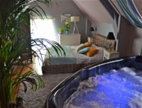 hotel vosges dans la chambre week end amoureux bretagne week end romantique vacances
