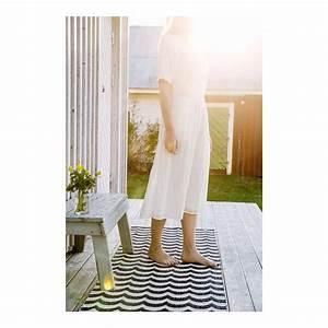 Tapis Scandinave Noir Et Blanc : tapis plastique ext rieur brita sweden tapis scandinave ~ Melissatoandfro.com Idées de Décoration