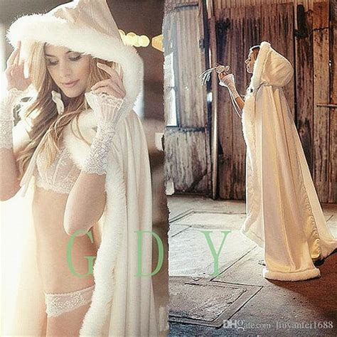 Best 2017 Winter Bridal Cape Faux Fur Christmas Cloaks