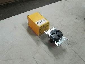 Hubbell Straight Blade Receptacle  9330 30a 250v 2 Pole 3