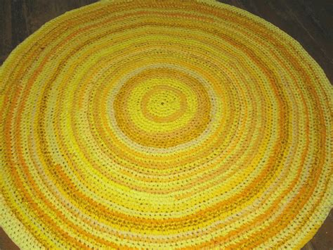 simple bathroom with yellow target bath rug and knitted