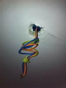 Comment Installer Un Lustre : installer un plafonnier ~ Dailycaller-alerts.com Idées de Décoration