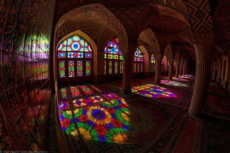 nasir ul molk mosque      rainbow colors