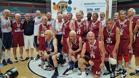 Latvijas basketbola senioru klubam jaunības jubileja ...