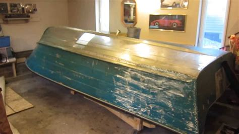Aluminum Boat Paint Removal by Paint Stripping