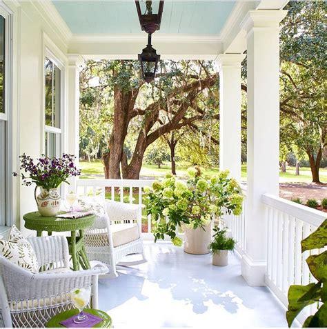 Porch Ideas by 30 Gorgeous Farmhouse Front Porch Design Ideas Freshouz