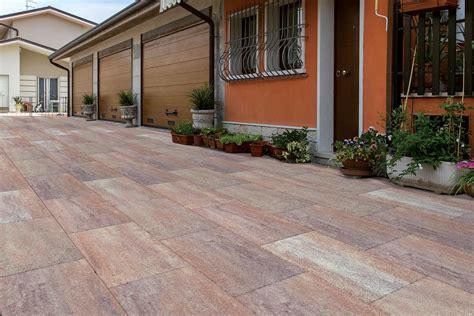 pavimentazione terrazzi esterni pavimenti per esterni e terrazzi lastre pavimentazione