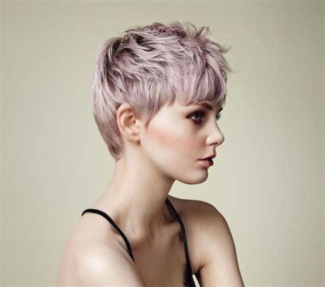 coupe courte effilée femme les 6442 meilleures images du tableau coiffures sur