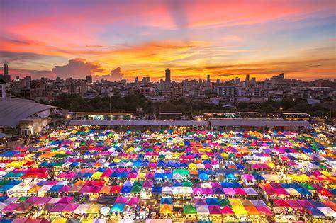 Take a tour through Bangkok's street food scene - Radisson
