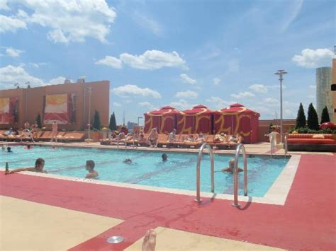 Showboat Atlantic City Pool by Roof Top Pool Picture Of Golden Nugget Atlantic City