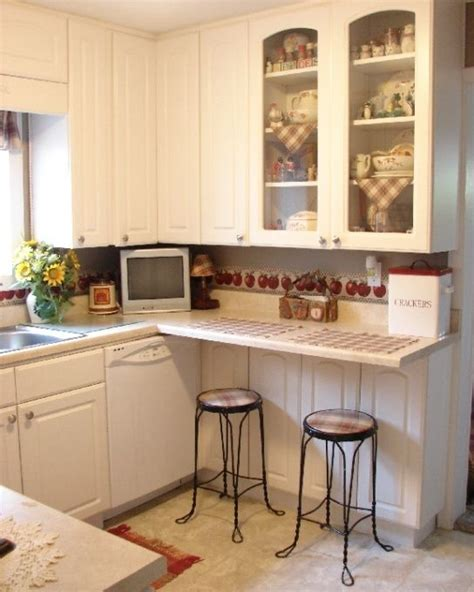 small country kitchens small country kitchen maximizing