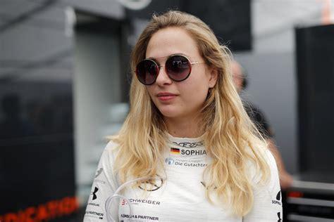 Nach vielen jahren gehen wir nun wieder als privatteam an den start und sind gespannt wie unsere neuen aud. Sophia Flörsch secures F3 drive for 2019 - Speedcafe