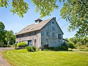 For sale barn homes mixing old new zillow porchlight for Barn homes for sale in ct