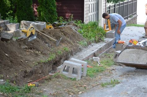 how to build retaining wall diy retaining wall blocks do it your self diy