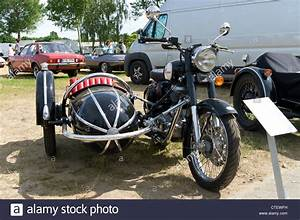 Sidecar Royal Enfield : the motorcycle with sidecar royal enfield bullet 500 stock photo 49499845 alamy ~ Medecine-chirurgie-esthetiques.com Avis de Voitures