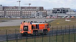 Bus Düsseldorf Hannover : 14 verletzte bus crash auf dem flughafen vorfeld frankfurt ~ Markanthonyermac.com Haus und Dekorationen