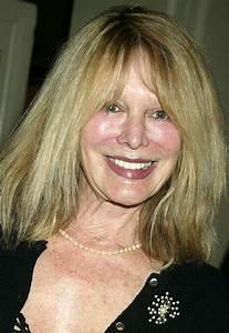 Olivia Newton-John's Sister Rona Dies at 70 | TV Guide