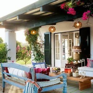 52 idees pour fabriquer votre meuble de jardin en palette With idee pour amenager son jardin 12 comment avoir un balcon fleuri idees en 50 photos