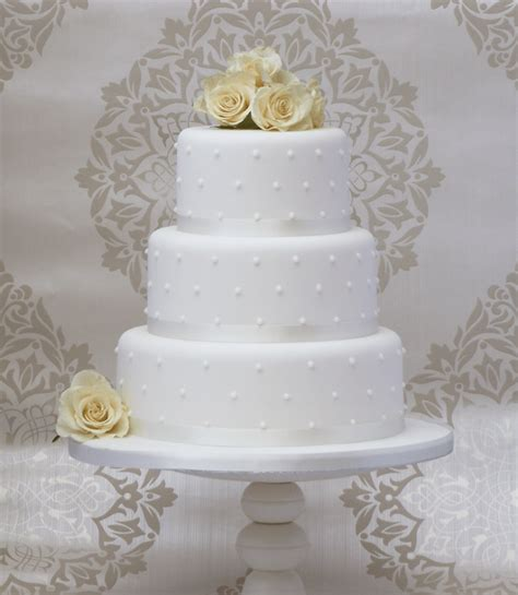 Simple Wedding Cakes Make A Come Back Wedding And Bridal