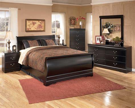 huey vineyard  piece sleigh bedroom set  black