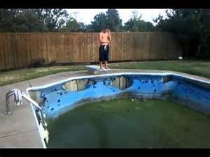 Pool Aufblasbar Groß : gross swimming pool jump youtube ~ Yasmunasinghe.com Haus und Dekorationen