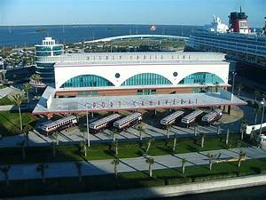 Disney Cruise Line - Wikipedia