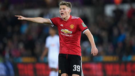 Man Utd Midfielder Scott McTominay Rejects Scotland Call ...
