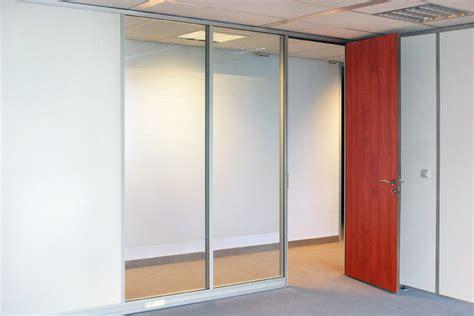 cloison de bureau en verre cloison modulaire vitrée cloison de bureau en verre