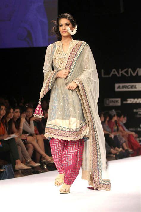 indian designer clothes lakme india fashion week 2012 lakme indian fashion show
