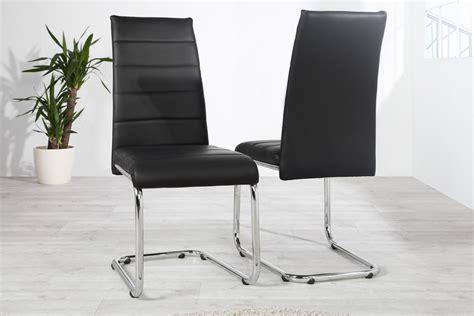 chaise en cuir noir chaise design en simili cuir noir kazuac