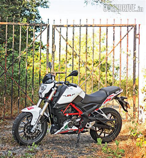 Review Benelli Tnt 25 by Benelli Tnt 25 Road Test Review Overdrive