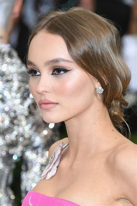 Lilyrose Depp Chanel Inspired Look Makeupmonday Blushy Darling
